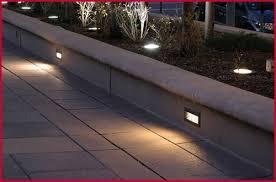 Светилка Скали Апликација Двор